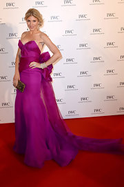 Hofit Golan's bright purple strapless gown featured a big bow detail in the back, which lead to a flowing train.