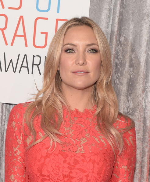 More Pics of Kate Hudson Pink Nail Polish (1 of 17) - Nails Lookbook - StyleBistro [hair,face,blond,hairstyle,lip,beauty,premiere,long hair,layered hair,brown hair,iwmf courage in journalism awards,beverly hills,california,the beverly hilton hotel,kate hudson]