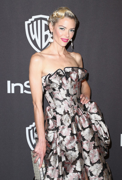 More Pics of Jaime King Retro Updo (4 of 7) - Updos Lookbook - StyleBistro [clothing,fashion model,dress,shoulder,hairstyle,strapless dress,cocktail dress,lady,fashion,premiere,jaime king,beverly hills,california,the beverly hilton hotel,instyle,golden globes,warner bros.,arrivals,party]