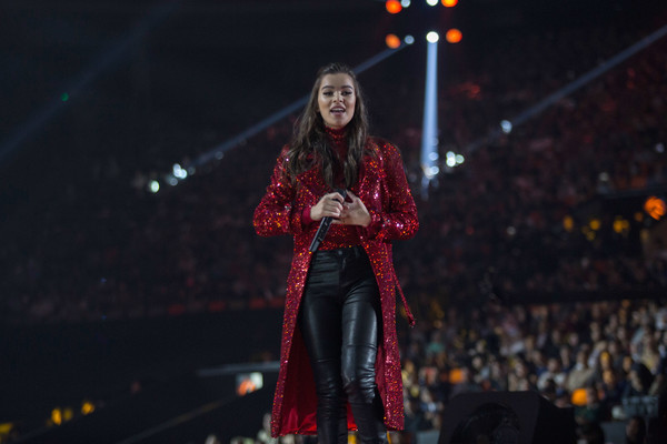 Hailee Steinfeld performed at the 2018 Indonesian Music Awards wearing a ruby-red sequined coat.