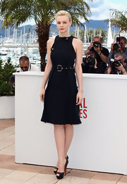 Carey Mulligan looked nautical chic with this sleeveless navy dress with a belt detail.