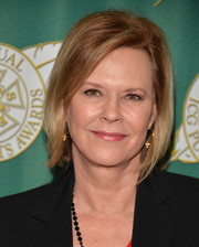 JoBeth Williams wore her hair in a stylish bob at the 2014 Publicists Awards.