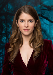 Anna Kendrick looked lovely with her loose waves at the 'Into the Woods' photocall.