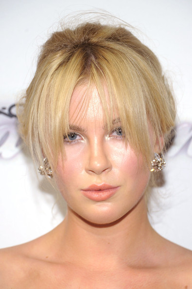 Ireland Baldwin Bobby Pinned updo