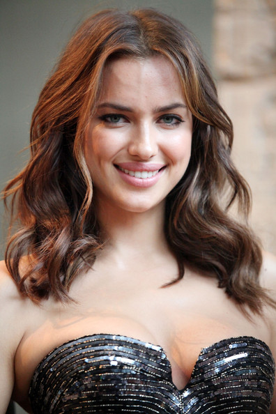 Irina Shayk Medium Curls