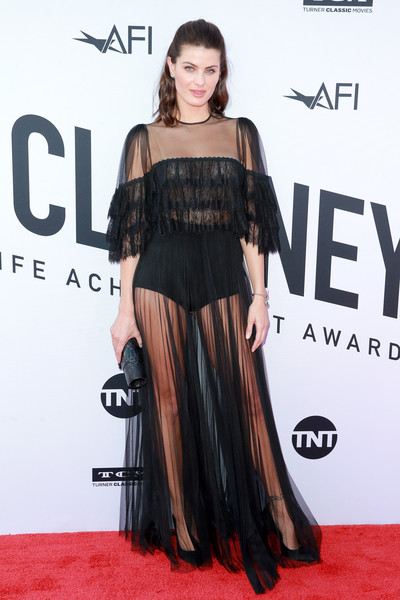 Isabeli Fontana Tube Clutch [red carpet,clothing,carpet,shoulder,dress,premiere,fashion model,fashion,hairstyle,flooring,dolby theatre,california,hollywood,american film institutes 46th life achievement award gala tribute,george clooney,arrivals,isabeli fontana]