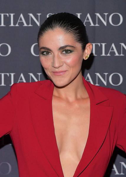 Isabelle Fuhrman Croydon Facelift [dresses to dream about,book,book,hair,hairstyle,eyebrow,lip,premiere,croydon facelift,suit,black hair,brown hair,christian siriano,isabelle fuhrman,los angeles,chateau marmont,christian siriano celebrates the launch of his,celebration,launch]