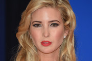 Ivanka Trump Medium Curls