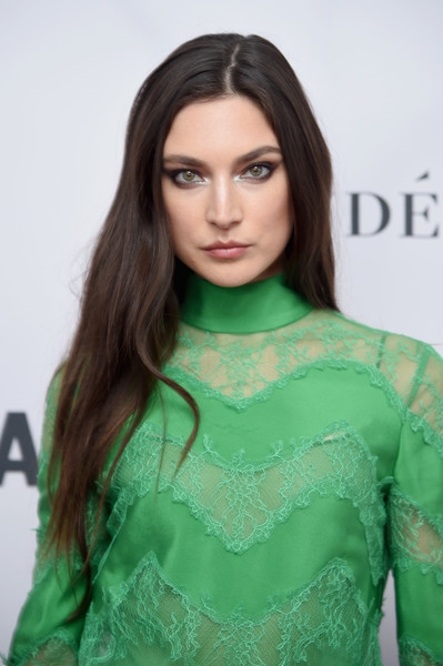 Jacquelyn Jablonski Long Straight Cut [hair,green,clothing,hairstyle,fashion model,beauty,long hair,fashion,lip,brown hair,arrivals,women of the year awards,jacquelyn jablonski,brooklyn,new york,kings theatre,glamour,glamour celebrates 2017 women of the year awards]