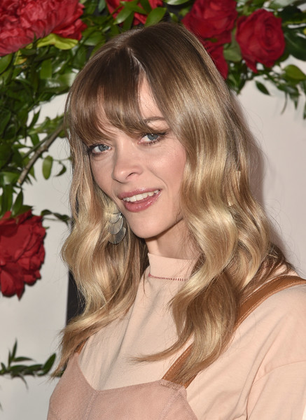 Jaime King Long Wavy Cut with Bangs []