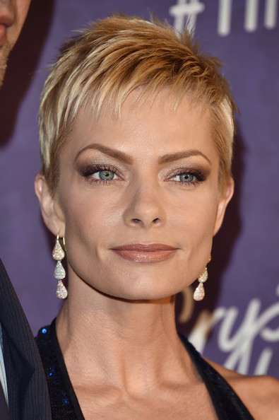 Jaime Pressly Layered Razor Cut [variety and women in film emmy nominee celebration,hair,face,hairstyle,eyebrow,blond,chin,lip,forehead,pixie cut,layered hair,jaime pressly,arrivals,west hollywood,california,variety and women in film emmy nominee celebration,samsung galaxy]