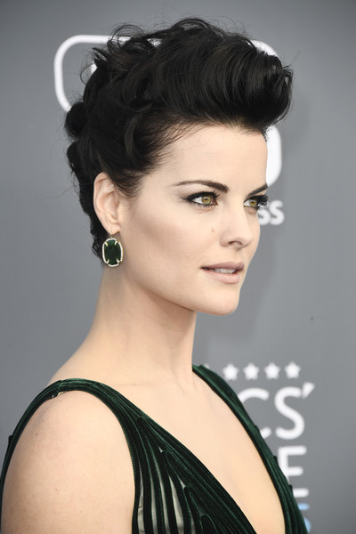 Jaimie Alexander Pompadour [hair,beauty,fashion model,eyebrow,human hair color,hairstyle,shoulder,black hair,model,long hair,arrivals,jaimie alexander,santa monica,california,barker hangar,annual critics choice awards]