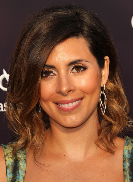 Jamie-Lynn Sigler Dangling Diamond Earrings
