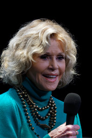 Jane Fonda wore her hair in a curly bob at the 2018 Film Festival Lumiere.