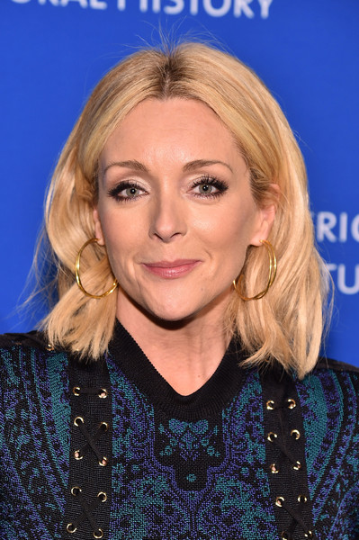 Jane Krakowski Medium Wavy Cut [hair,face,blond,hairstyle,eyebrow,chin,long hair,layered hair,electric blue,feathered hair,american museum of natural history museum gala,american museum of natural history museum gala,american museum of natural history,new york city,jane krakowski]