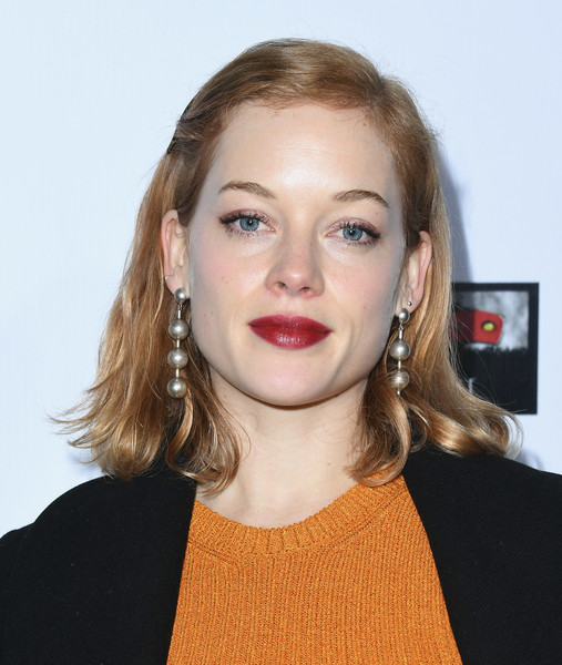 Jane Levy Mid-Length Bob