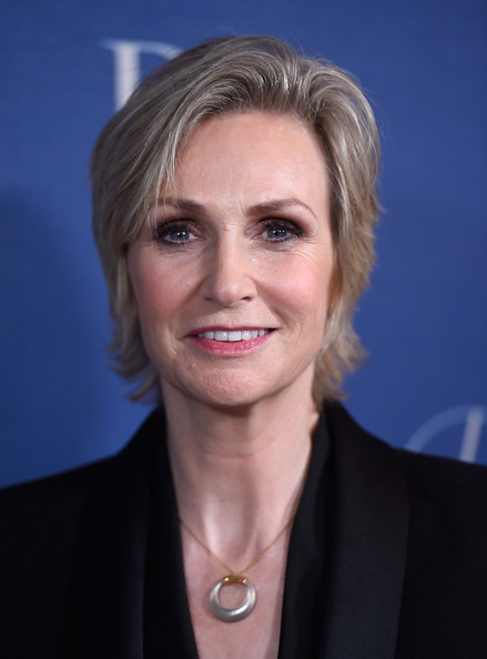 Jane Lynch Short Side Part [hair,face,hairstyle,blond,chin,eyebrow,official,cheek,forehead,white-collar worker,arrivals,jane lynch,beverly hills,california,beverly wilshire four seasons hotel,princess grace awards,christian dior couture,princess grace awards gala]