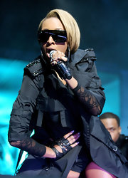Keri Hilson is a hairstyle chameleon. Onstage at the Essence festival, she rocked a bottle-blond bob and major shades.