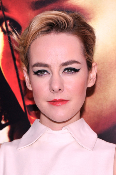 Jena Malone Pink Lipstick [the hunger games: catching fire,hair,face,eyebrow,lip,hairstyle,chin,beauty,forehead,cheek,skin,jena malone,new york special screening - inside arrivals,amc lincoln square theater,new york city,new york premiere]