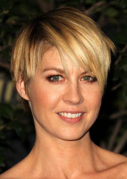 Jenna Elfman Short Emo Cut [the hollywood reporter,face,hair,blond,hairstyle,eyebrow,chin,bangs,head,lip,beauty,jenna elfman,reporter,big 10 party - arrivals,hollywood,california,los angeles,getty house,nominees night party]