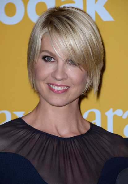 Jenna Elfman Side Parted Straight Cut [hair,face,hairstyle,blond,chin,eyebrow,bob cut,bangs,beauty,layered hair,beverly hills,california,the beverly hilton hotel,women in film crystal lucy awards,jenna elfman]