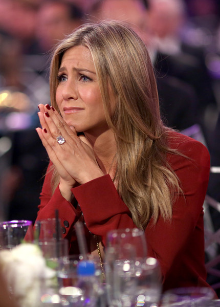 Jennifer Aniston Red Nail Polish [lady,blond,event,long hair,brown hair,critics choice movie awards,california,los angeles,hollywood palladium,jennifer aniston,audience]