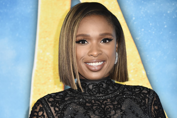 Jennifer Hudson Graduated Bob [cats,hair,face,eyebrow,hairstyle,beauty,chin,lip,smile,blond,nose,jennifer hudson,alice tully hall,new york city,lincoln center,cats world premiere,world premiere]