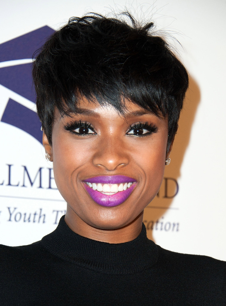 Sensational Layered Razor Cut Looks Stylebistro Short Hairstyles For Black Women Fulllsitofus