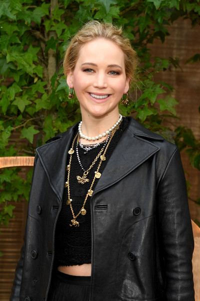 Jennifer Lawrence Layered Gold Necklace [lady,beauty,fashion,leather,outerwear,jacket,smile,style,fashion design,christian dior,jennifer lawrence,part,summer 2020,paris,france,christian dior womenswear spring,photocall - paris fashion week,show,paris fashion week]
