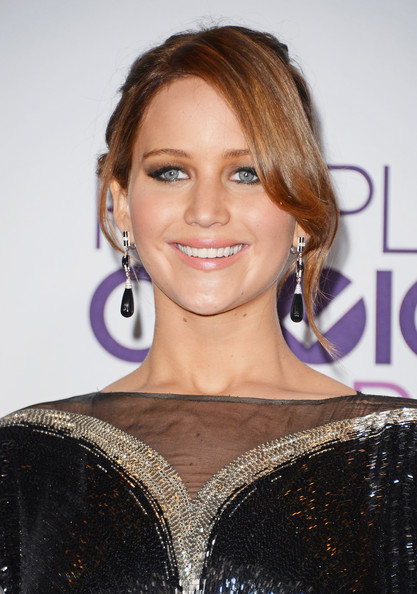 Jennifer Lawrence Bobby Pinned Updo