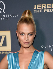 Hailey Clauson looked striking in a high, slicked-back ponytail.