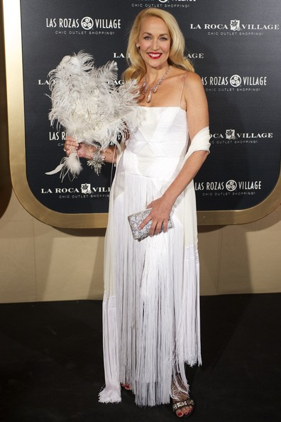 Jerry Hall channeled the '20s in this white fringed number in Madrid.