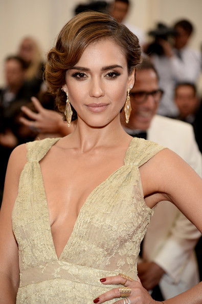 Jessica Alba Gold Dangle Earrings [charles james: beyond fashion costume institute gala,hair,fashion model,beauty,hairstyle,human hair color,jewellery,eyebrow,gown,shoulder,lady,red carpet arrivals,jessica alba,part,new york city,metropolitan museum of art,met gala]
