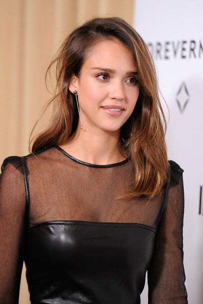 Jessica Alba Pearl Drop Earrings [hair,hairstyle,brown hair,beauty,shoulder,fashion,dress,long hair,blond,layered hair,jessica alba,forevermark,a promise of beauty and brilliance,golden globe awards,beverly hills hotel,california,instyle,event]