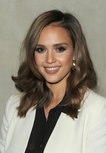 More Angles of Jessica Alba Nude Lipstick