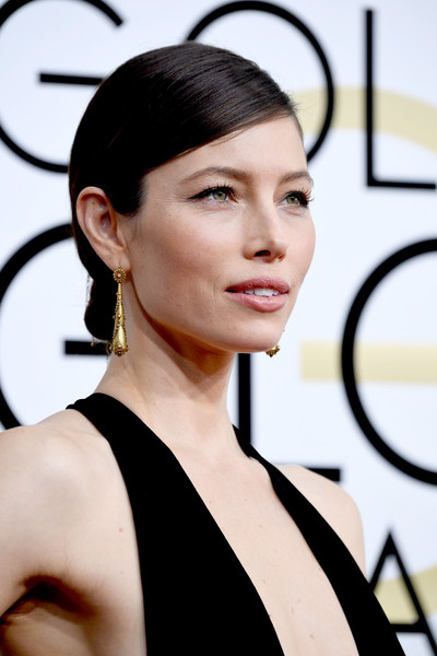 Jessica Biel Gold Dangle Earrings