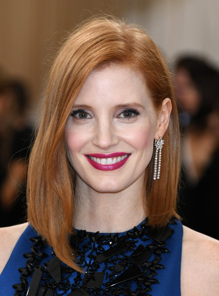 Jessica Chastain Dangling Diamond Earrings [manus x machina: fashion in an age of technology costume institute gala - arrivals,manus x machina: fashion in an age of technology costume institute gala,hair,eyebrow,beauty,hairstyle,human hair color,blond,chin,fashion model,layered hair,lip,jessica chastain,new york city,metropolitan museum of art]