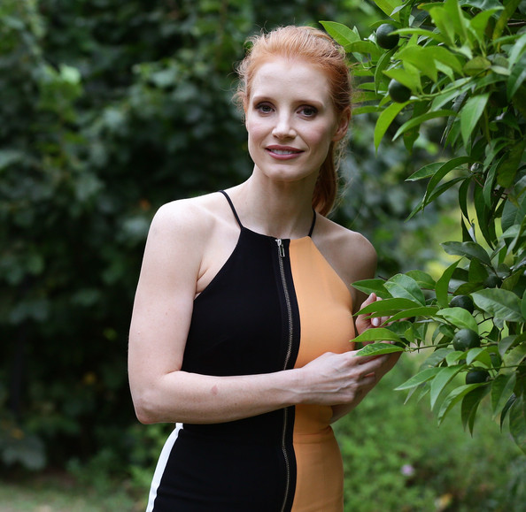 More Pics of Jessica Chastain Cocktail Dress (3 of 31) - Jessica Chastain Lookbook - StyleBistro