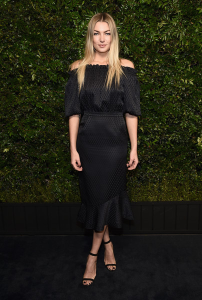 Jessica Hart Off-the-Shoulder Dress [clothing,dress,fashion model,fashion,little black dress,cocktail dress,shoulder,footwear,long hair,neck,charles finch,jessica hart,chanel pre-oscar awards,dinner,beverly hills,california,madeo,madeo in beverly hills,chanel]
