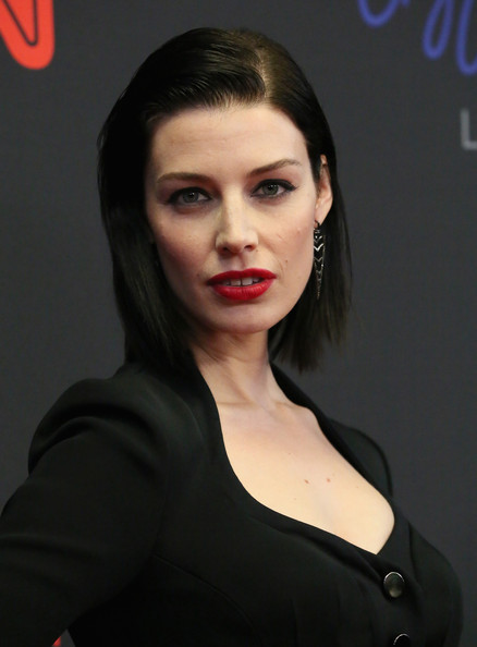 Jessica Pare Short Straight Cut [mbfw,hair,face,lip,eyebrow,beauty,hairstyle,skin,chin,cheek,lady,arrivals,jessica pare,style awards,new york city,lincoln center,mercedes benz fashion week]