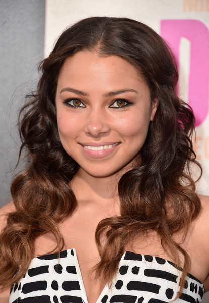 Jessica Parker Kennedy Half Up Half Down