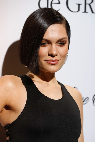 Jessie J Bob [love on the rocks,love on the rocks,hair,hairstyle,face,black hair,shoulder,eyebrow,bob cut,beauty,chin,cheek,jessie j,degrisogono,hotel du cap-eden-roc,france,cap dantibes,cannes film festival,party]