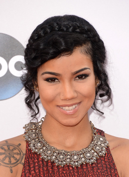 Jhene Aiko Silver Statement Necklace [hair,hairstyle,eyebrow,black hair,beauty,lip,forehead,long hair,ringlet,fashion accessory,arrivals,jhene aiko,american music awards,nokia theatre l.a. live,los angeles,california]