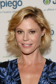 Julie Bowen topped off her look with this curled-out bob when she attended the Laughter is the Best Medicine event.