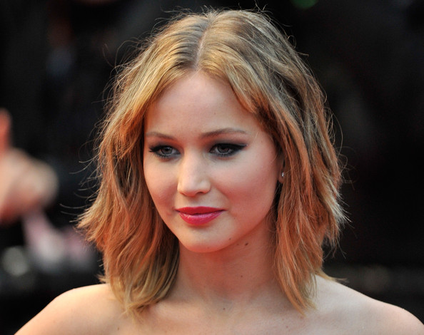 More Pics Of Jennifer Lawrence Medium Wavy Cut With Bangs 10 Of 65 Shoulder Length Hairstyles Lookbook Stylebistro
