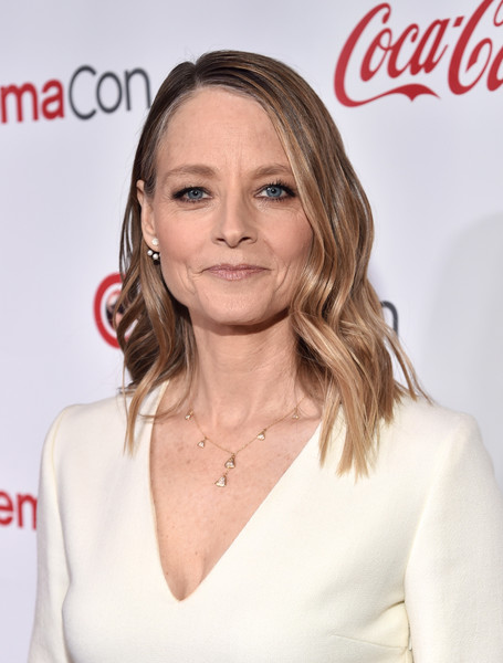 Jodie Foster Medium Wavy Cut [beauty,blond,hairstyle,fashion model,shoulder,long hair,brown hair,lip,flooring,hair coloring,jodie foster,cinemacon big screen achievement awards,taxi driver,beauty,hairstyle,hair,brown hair,coca-cola company,cinemacon 2018,convention,jodie foster,the x-files,coca-cola,actor,celebrity,the coca-cola company,showest award,the accused,taxi driver]