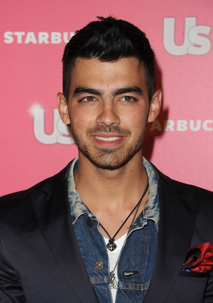 Joe Jonas Silver Chain []