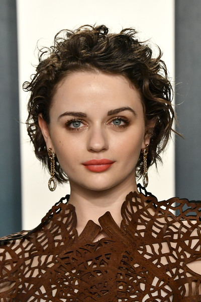 Joey King Short Curls