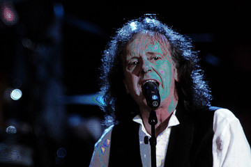 John Mellencamp Donovan 27th Annual Rock And Roll Hall Of Fame Induction Ceremony - Show