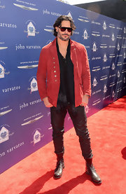 Joe Manganiello spiced up his casual wardrobe with this red suede jacket.
